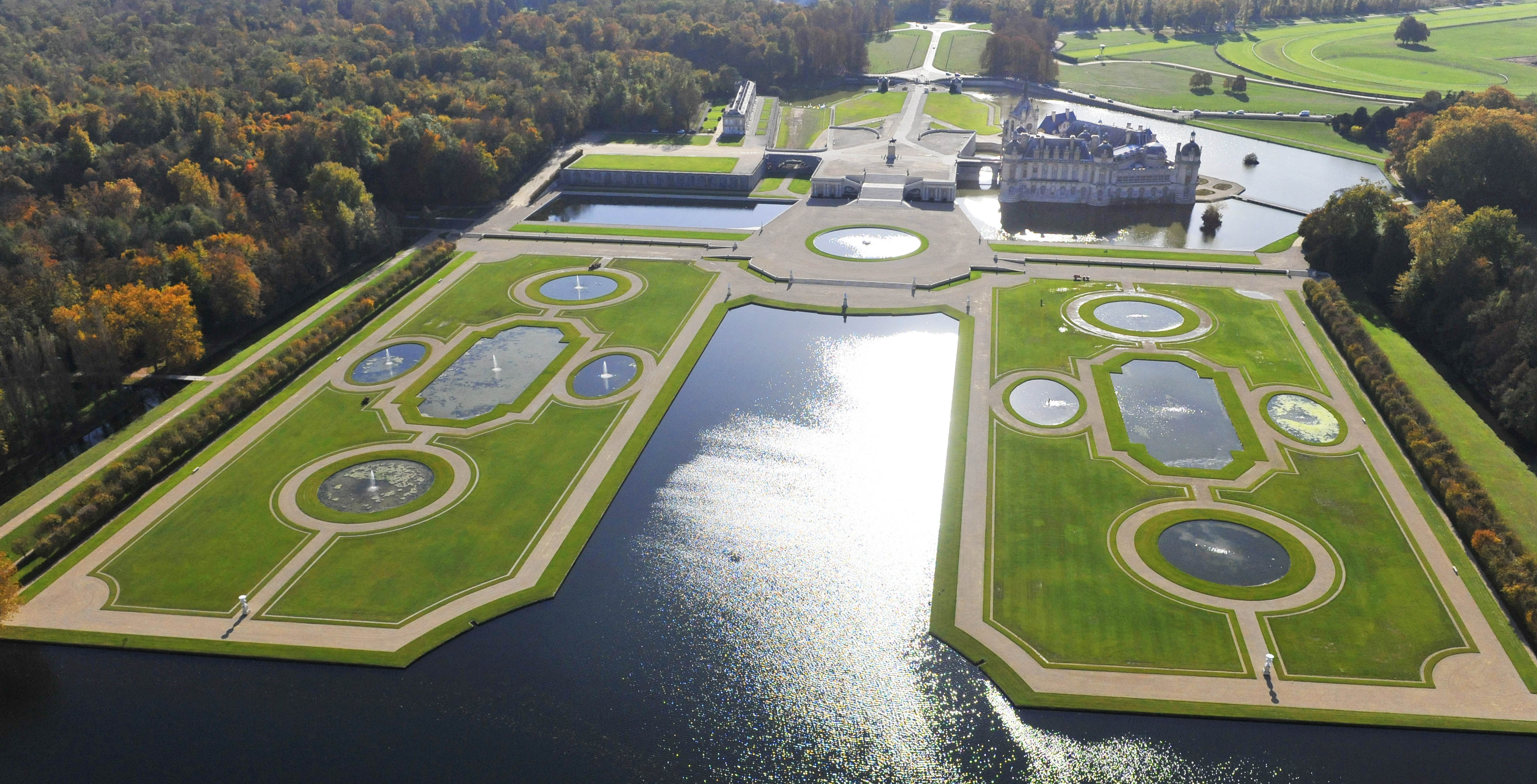 Chantilly vue mus e renaissance for Auberge du jardin